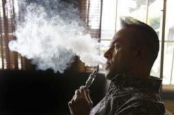 Cigarettes électroniques : bientôt interdites dans les soutes des avions