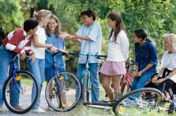 Les ados qui ont des amis sont en meilleure santé à l'âge adulte