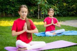 Cancer : le yoga bénéfique pour les jeunes malades et les parents
