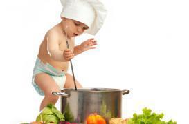 Aliments pour bébés : les produits industriels aussi bons que le fait maison