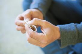 Cannabis : l'usage régulier provoque des troubles oculaires