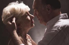 Faire souvent l'amour après 50 ans préserve le cerveau