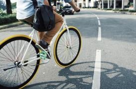 Pourquoi aller au travail en voiture augmente les risques de maladie cardiaque et d'AVC ?
