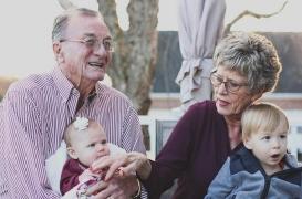 Les grands-parents nuisent à la santé des petits-enfants