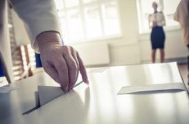 Le gouvernement promet le droit de vote