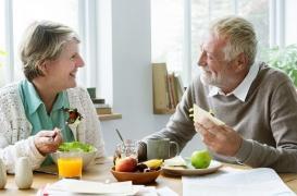 Réduire son apport calorique de 15% aiderait à rester jeune