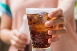 Travailler sous la chaleur et boire du soda, un cocktail toxique pour les reins