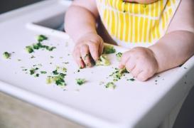 Nourrissons : découverte d'une réaction immunitaire cruciale lors de la diversification alimentaire