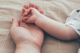 Italie : elle achète un bébé 20 000 euros avant de le rendre