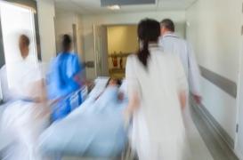 Les urgences des hôpitaux sont débordées et au bord de la rupture