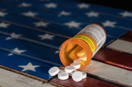 Aux États-Unis, les overdoses d'opioïdes prescrits par des médecins sont la première cause de mortalité
