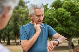 Fibrillation atriale : la prise de pouls, un geste simple pour surveiller votre rythme cardiaque