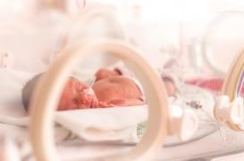 Etats-Unis : un bébé est né presque sans peau