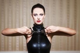 Pratiquer le BDSM améliorerait la satisfaction sexuelle