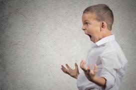 Des vestes remplies de sableutiliséespour calmer les enfants hyperactifscréent la polémique...à juste titre!