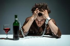 Quoiqu'en dise Christophe Castaner, Agnès Buzyn a raison : le vin est dangereux