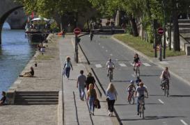 Paris : un air moins pollué sur les voies sur berge piétonnes
