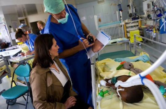 Assister aux soins d\'urgence est  bénéfique pour les proches d\'un malade