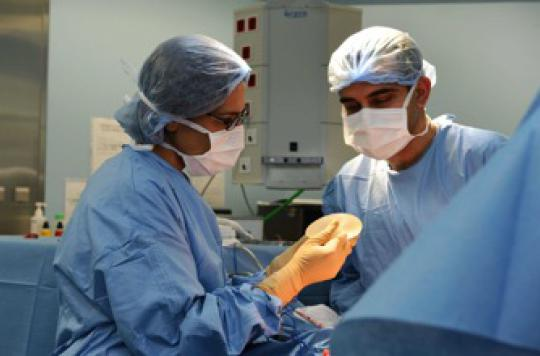 Les implants mammaires CEREPLAS sont retirés du marché