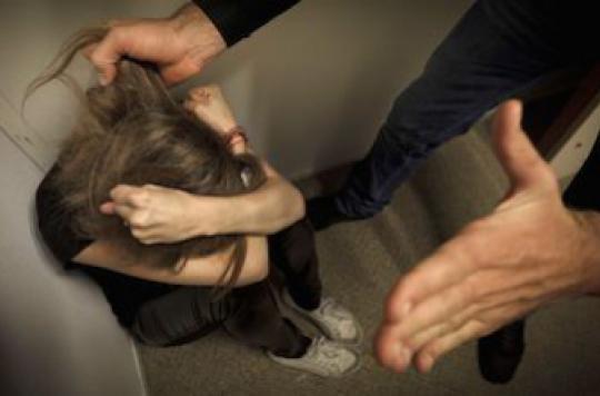 Les femmes subissent moins de violences conjugales