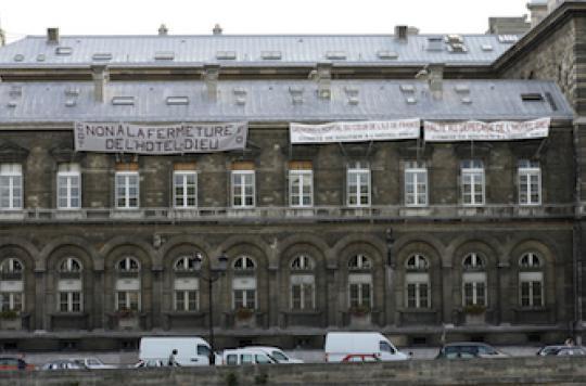 Paris : Les urgences de l'Hôtel-Dieu occupées