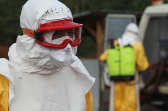 Ebola : le Canada ferme à son tour ses frontières