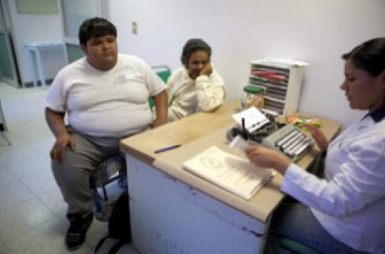 Obésité infantile : des spécialistes accusent les sucres ajoutés