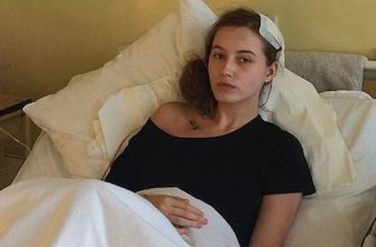 Une Polonaise se réveille pendant une opération d'une tumeur au cerveau