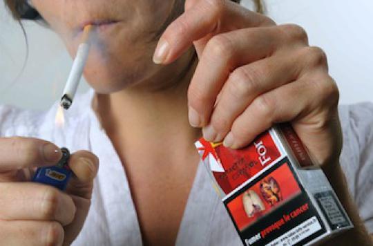 Rapport de l'Insee : 1 jeune sur 3 fume tous les jours