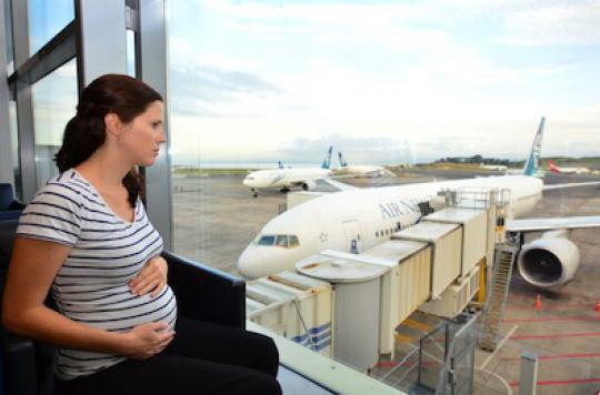 Grossesse : prendre l'avion jusqu'à 37 semaines