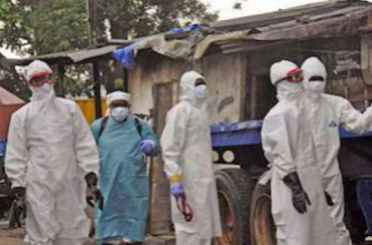Ebola : le nombre de malades pourrait tripler dans le mois