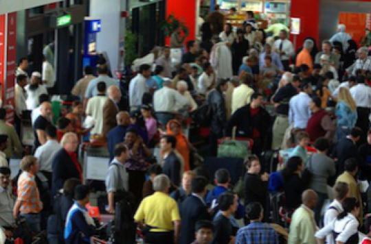 Ebola : contrôle aux aéroports pour les vols du Mali