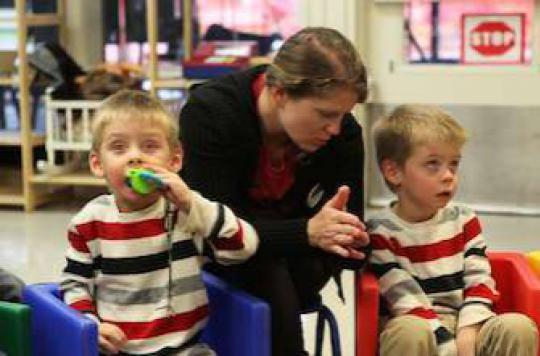 Autisme : le combat d'une mère pour la scolarisation de son fils