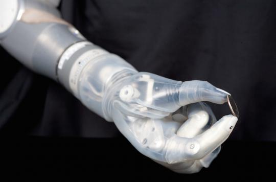 La première prothèse de bras hi-tech commercialisée aux Etats-Unis