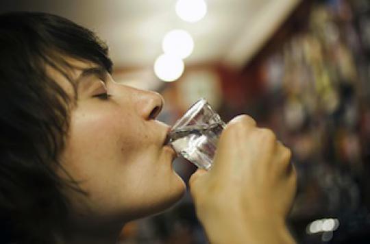 L\'alcool responsable d\'1 décès sur 30 par cancer