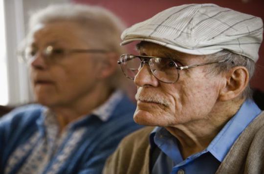 Alzheimer: la solitude des aidants