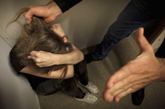 Violences conjugales : 500 téléphones d'alerte distribués à des femmes