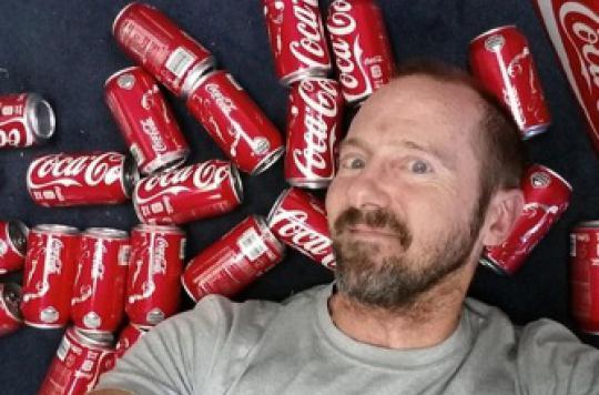 Un Américain a bu 10 canettes de Coca par jour et pris 10 kilos