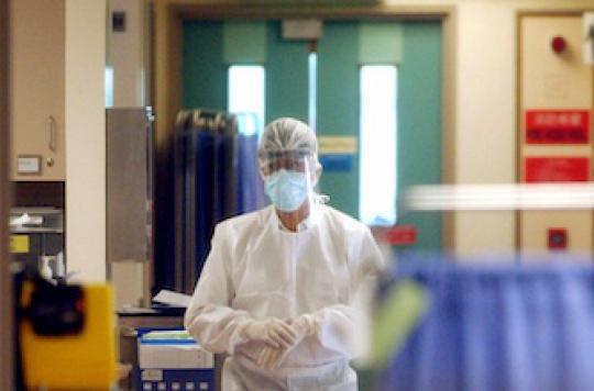 La France touchée par le coronavirus, proche du Sras