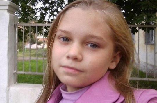 Russie : une adolescente meurt de malnutrition, persuadée par sa mère qu'elle a un cancer
