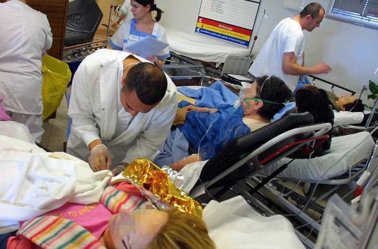 """Résultat de recherche d'images pour """"urgences saturéesà l'hôpital"""""""
