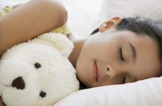 Sommeil des enfants : sensibiliser les parents dès la maternelle est efficace