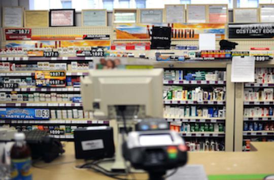 Les pharmacies américaines CVS renoncent aux cigarettes