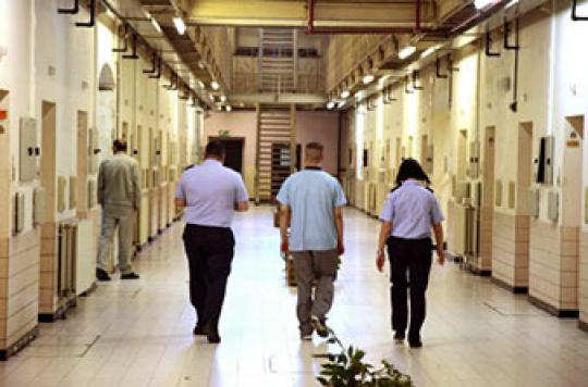Plus de suicides chez les gardiens de prison