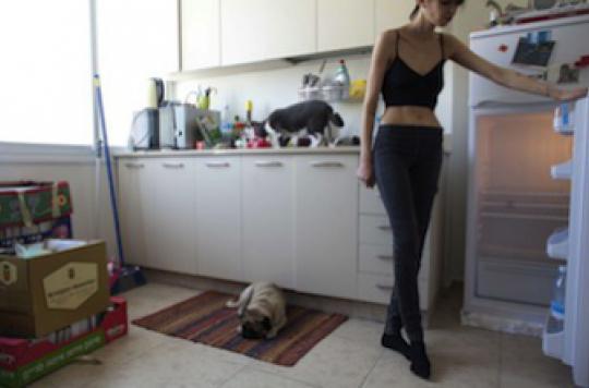 Anorexie : il faut arrêter d'isoler les jeunes de leur famille