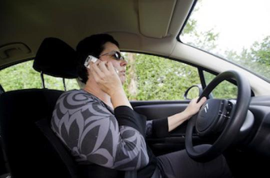 Téléphoner en voiture augmente les risques pour la santé