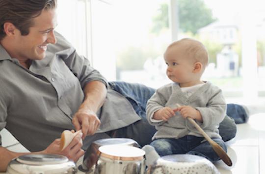 Partager le congé parental pour améliorer la santé des mères
