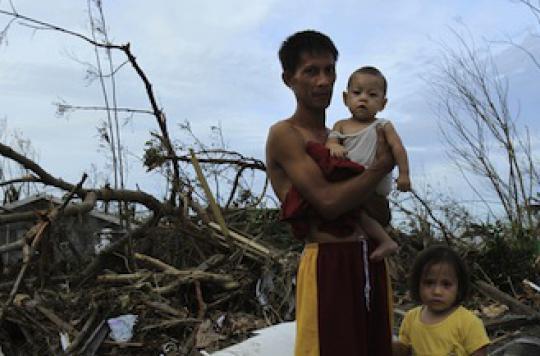 Haiyan : la Croix-Rouge se prépare à l'arrivée du typhon au Vietnam