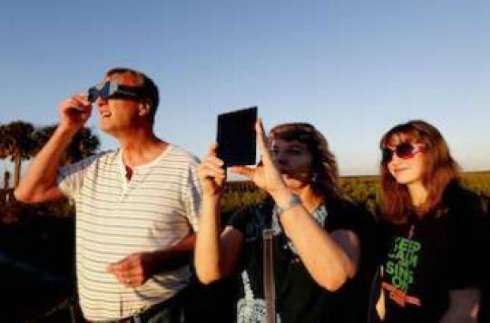 Eclipse : les écoliers devront rester à l'ombre