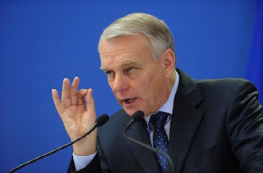 Réforme de la santé : Jean-Marc Ayrault ne répond pas aux urgences